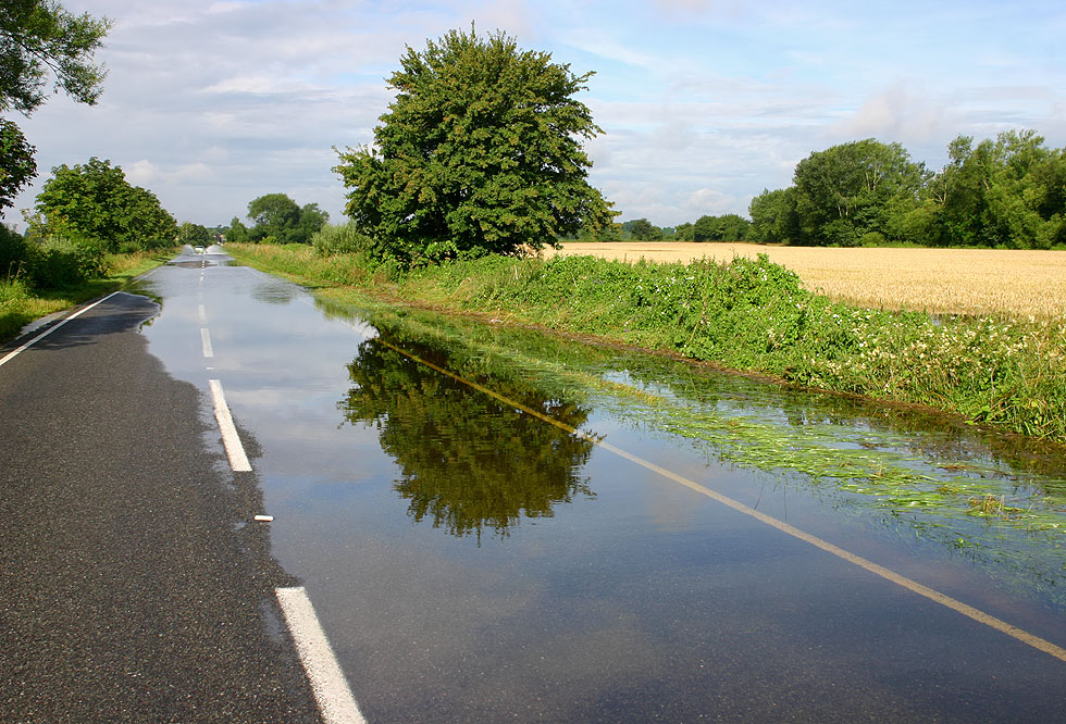 Flooded Bampton to Clanfield road